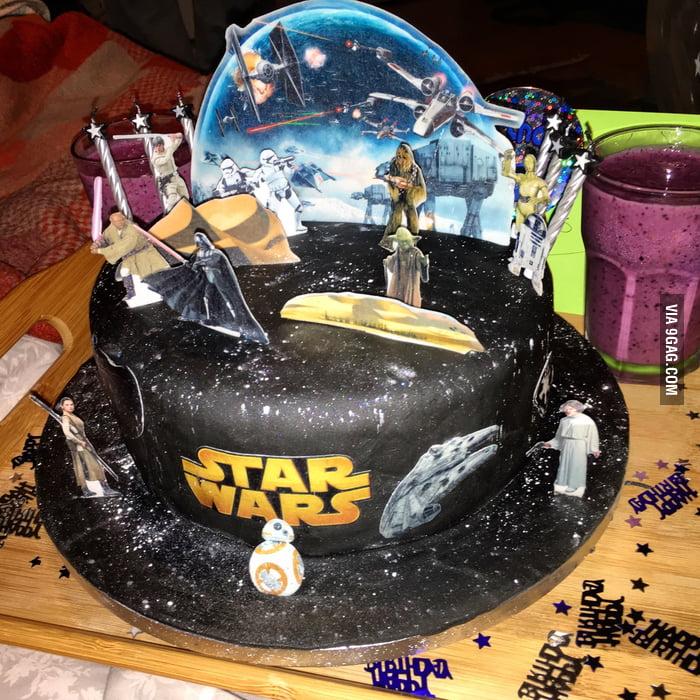 My 29th Birthday Cake Made By My Gf Amazing Woman 9gag