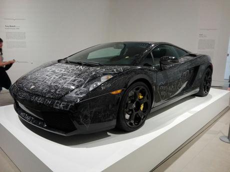 Artist Dolk Let Visitors Scratch The Lamborghini With Their Keys 9gag
