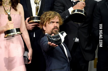 Peter Dinklage Trade His Emmy For Maisie Williams Cute