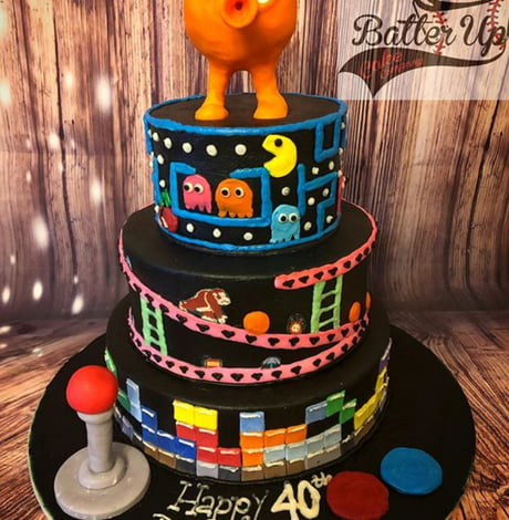 Incredible Q Brt Pacman Donkey Kong Cake For Us Old Gamers 9Gag Funny Birthday Cards Online Amentibdeldamsfinfo