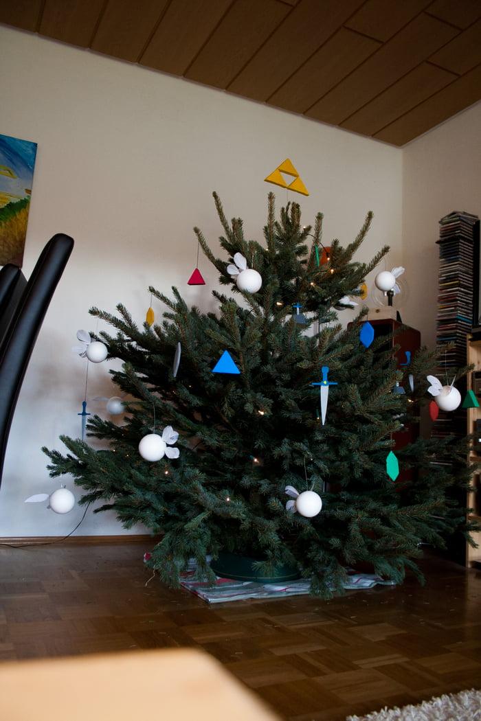 Do you like the Zelda christmas tree? - 9GAG