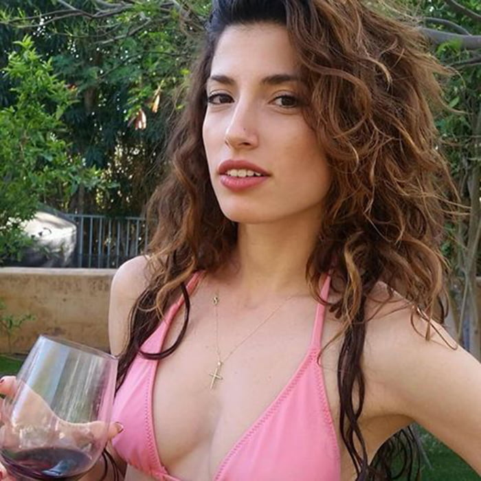 Tania Raymonde Nude Photos 16