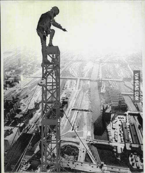 An Ironworker conquering the fear of heights ! - 9GAG
