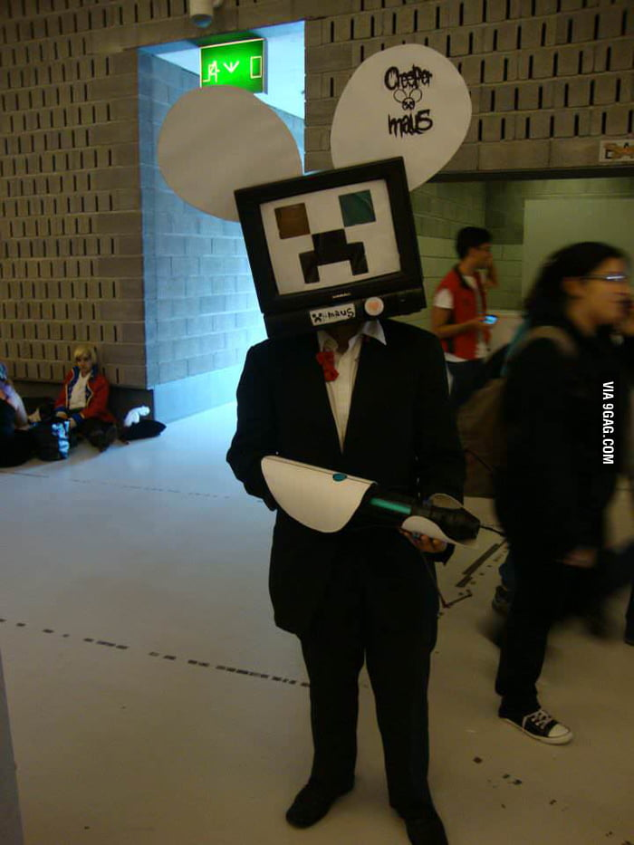 talking about awesome halloween costumes why not minecraft portal