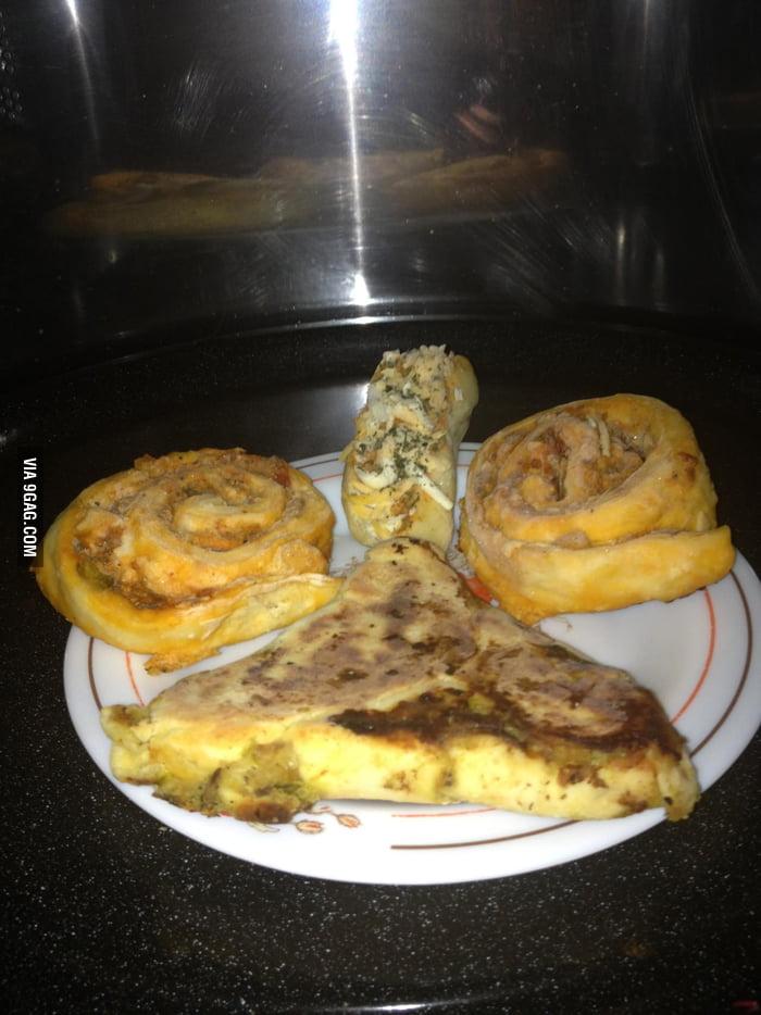 Was Abt To Heat My Food In Microwave Food Gave Me This Look GAG - Abt microwaves