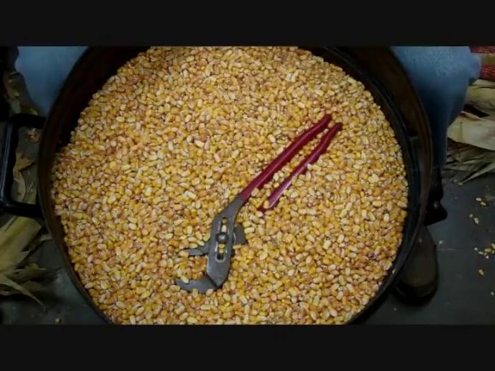 Satisfying corn shelling