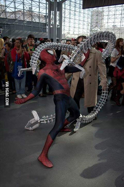 Epic Doc Ock Versus Spider Man Cosplay At The New York Comic Con