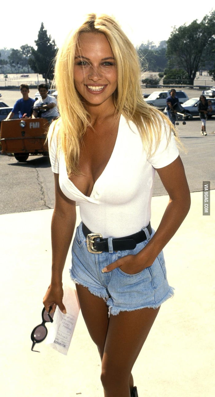 A Young Pamela Anderson What Happened 9gag