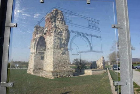 A clever way to show what ancient ruins used to look like.
