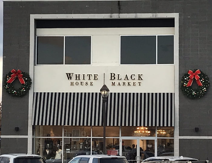 white and black market - 700×539