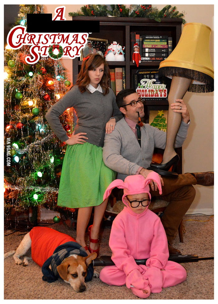 this family decided to do a movie themed christmas cards