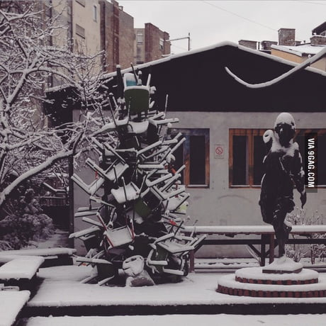 Christmas Tree At Applied Arts Faculty Belgrade Serbia 9gag