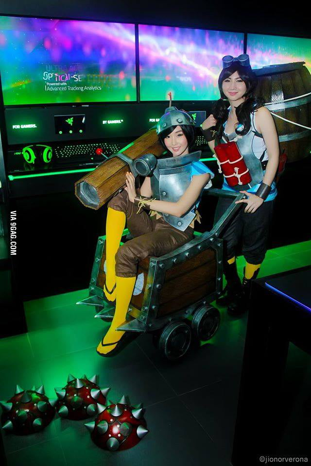 Cosplay Sisters Alodia And Ashley Gosiengfiao As Dota 2 S Techies