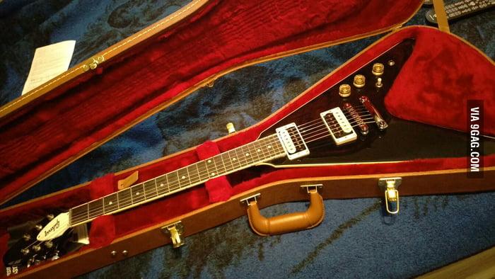 My new 2016 Gibson flying v HP - 9GAG