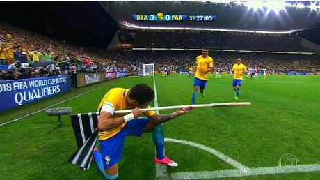 This is Neymar. He's got a Flemmenwerfer now.