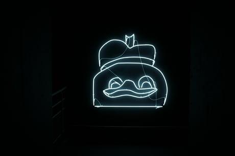 It's official, 9GAG is art. @Basse sous marine Bordeaux-France.