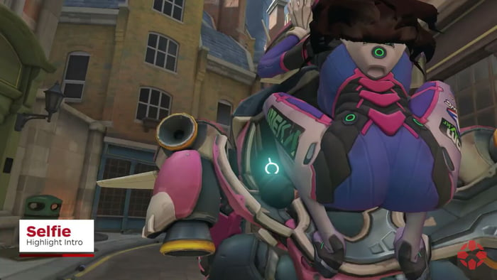 When you pause D VA's new highlight intro at the right