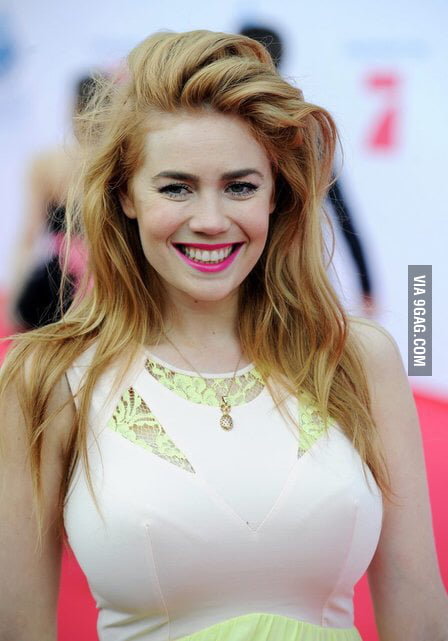 Now a Ginger with huge Curves! German will know here ;) - 9GAG