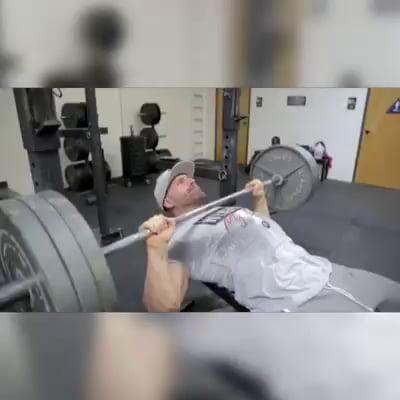 Motivation at gym, but must not show boner