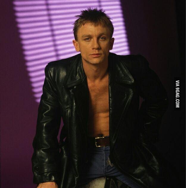 My Name Glamour Shots A Desperate Daniel Craig 9gag