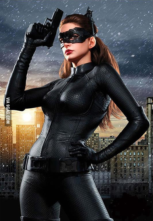 Naked catwoman anne hathaway