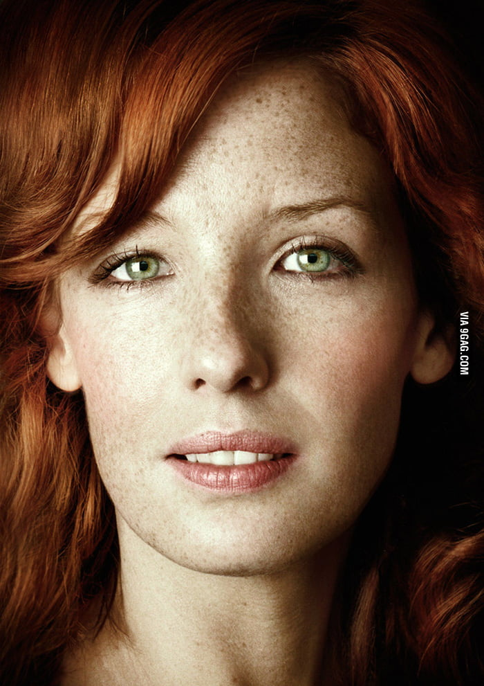Green eyes, red hair and freckles. Kelly Reilly is pretty ...