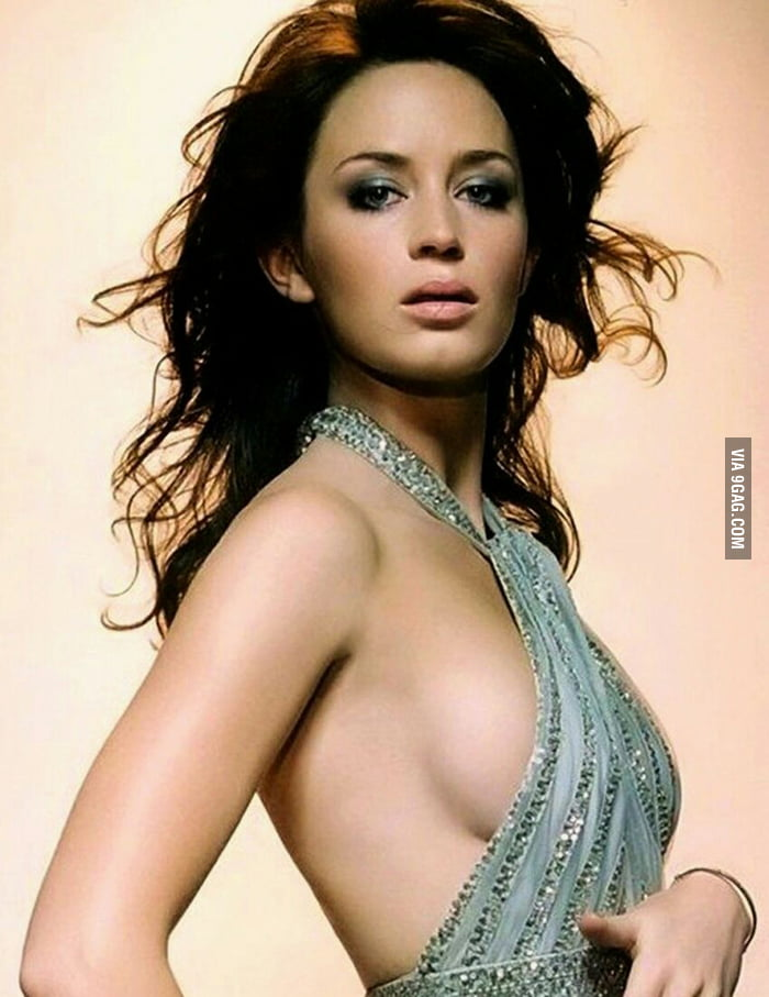 Blunt boobs emily nude celebs