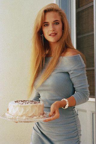 Rip Kelly Preston Photo Twins 1988 9gag