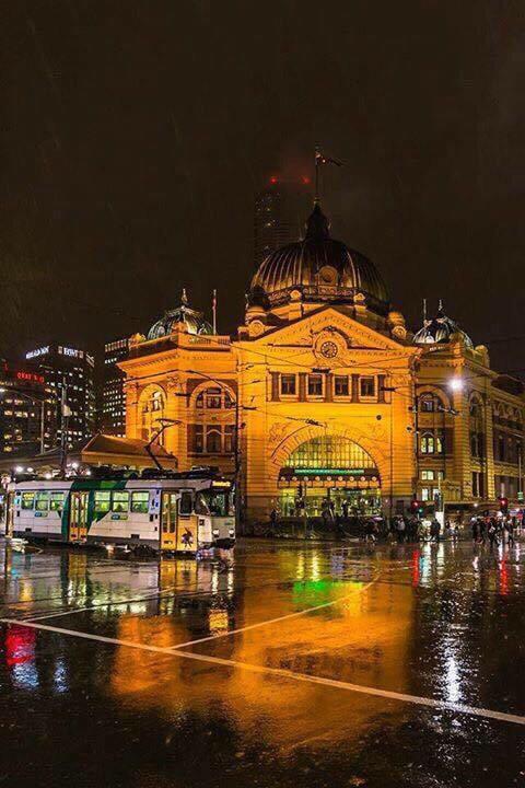 Flinders St, Melbourne.