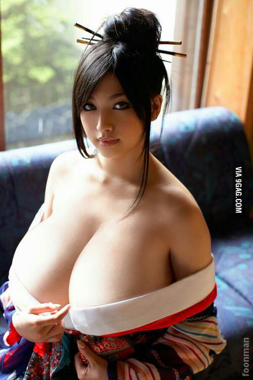 азиатки большие сиськи фото