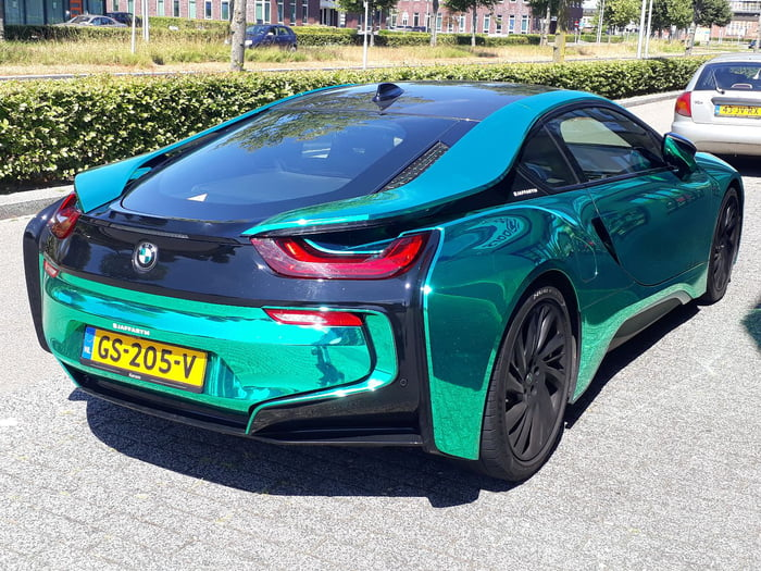 I Found This Bmw I8 With A Beautifull Emerald Green Chrome Wrap I