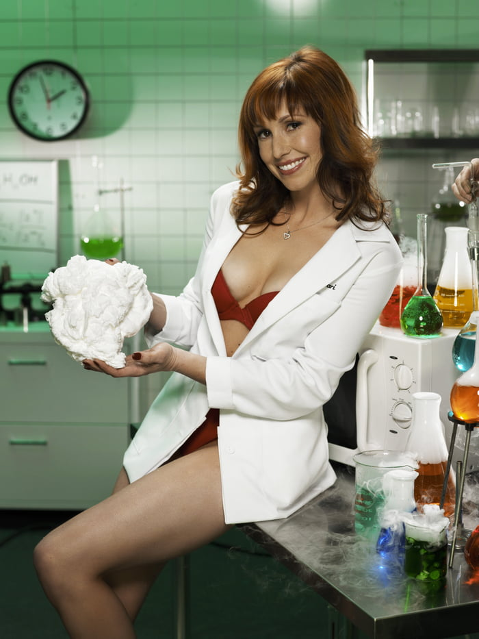 kari-from-mythbusters-playboy-with