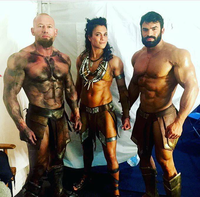 Ares, Artemis and Zeus in Justice League (The God of War looks a lot like Kratos...) - 9GAG