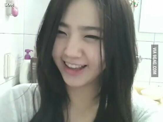 Anyone know who this girl is. she's a cam girl. you can find some vids if you search bj jjang ...