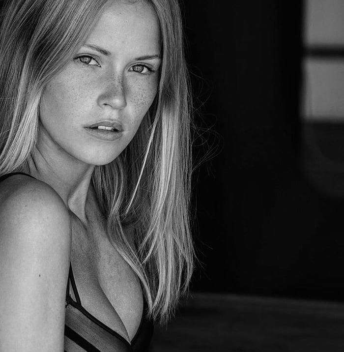 Melanie Kroll - 9GAG