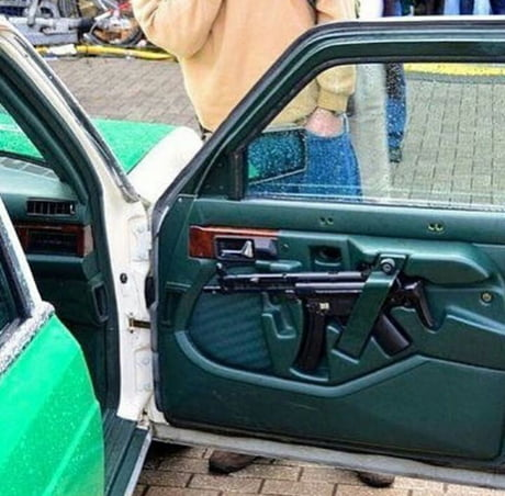 German police car with MP5 storage ( part 1)